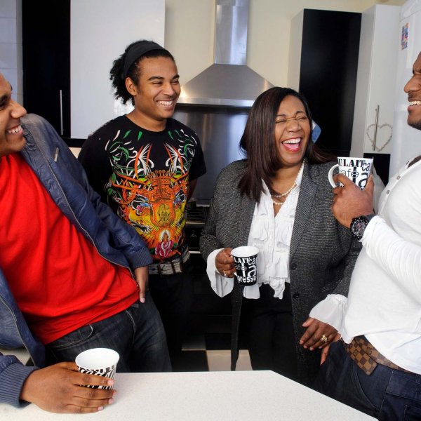 mum 27  © Licensed to simonjacobs.com. 17/11/2010 Enfield, UK.