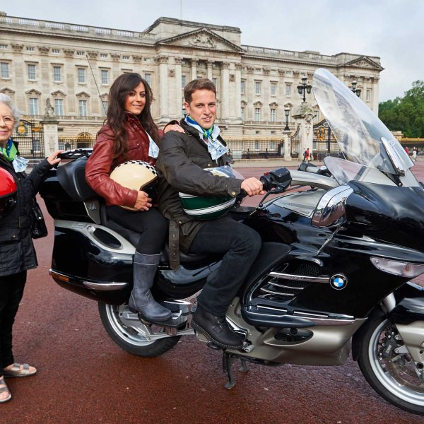 ride_to_work__sj_32  © Licensed to simonjacobs.com. 14.06.16 London, UK. Royal family lookalikes outside Buckingham Palace, London as part of  Ride to Work Day, the annual event encouraging a two-wheeled commute. Carole Nash is providing free commuting cover for its road policyholders throughout  the event.